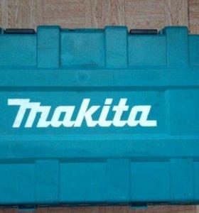 Профессиональный перфоратор Makitta HR5210C