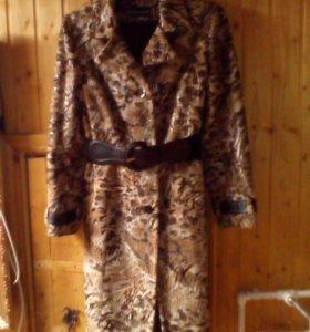 Пальто женское,демисезонное,в отличном состоянии.