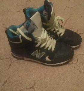 Зимние кроссовки совершенно новые 40 размер