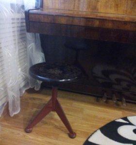 Продается пианино,,Беларусь,, со стулом