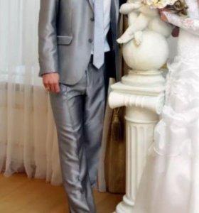 Продам мужской костюм р-р 46-48 и туфли мужские