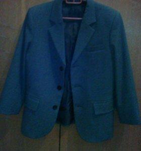 Пиджак и жилетку