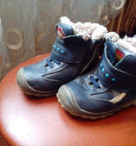 Ботиночки на мальчика зимнии