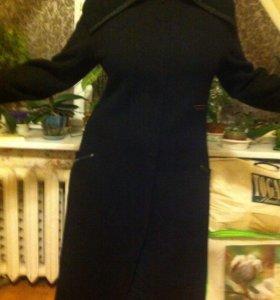 Стильное пальто. Шерсть с трикотажным воротом