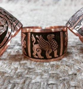 Медные кольца в древнерусском стиле.