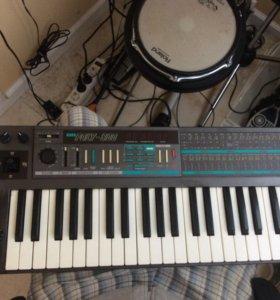 Korg Poly-800 синтезатор