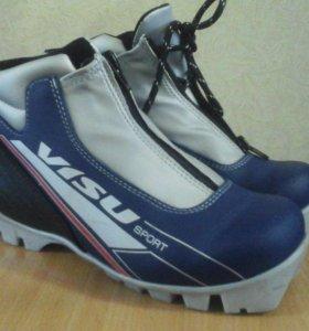 Ботинки лыжные. 36 размер.