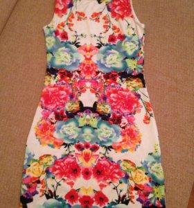 Яркое платье HM
