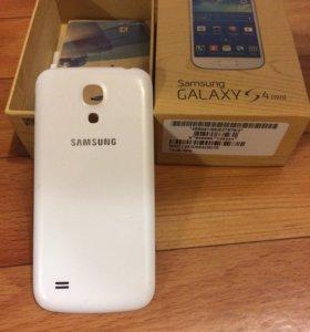 Крышка-чехол на Samsung Galaxy S4 mini