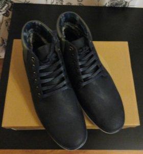 Новые зимние ботинки 41размера