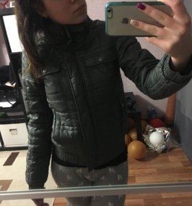 Продаётся куртка Reebok в отличном состоянии