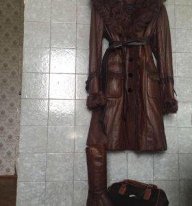 Пальто кожаное,теплое,мех-козлик!