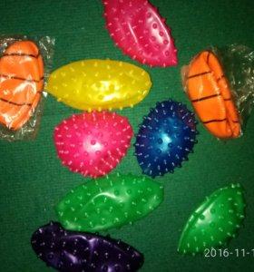 мячики маленькие.