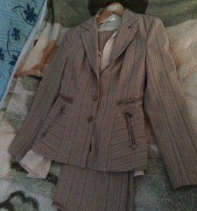 Костюм брюки пинджак и блузка