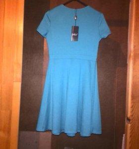 Платье новое, на 44, где-то