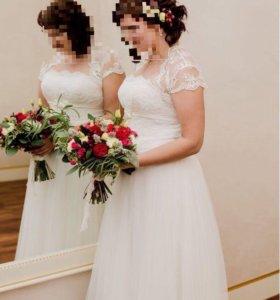 Свадебное платье р.46-50