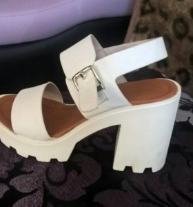Туфли новые 37размер