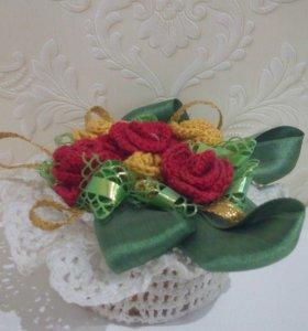 Сувенир вязаная корзиночка с цветами