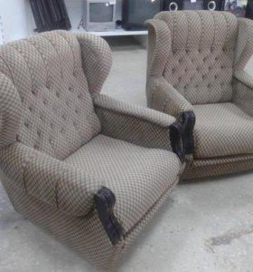 Два кресла на колесиках