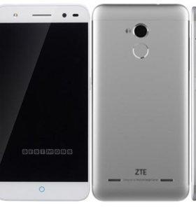 ZTE V7