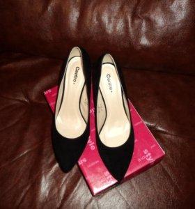 Туфли лодочки черные новые