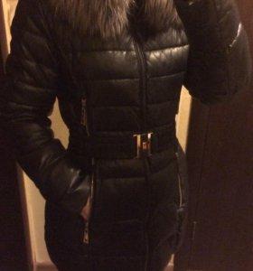 Зимняя женская куртка (пуховик)