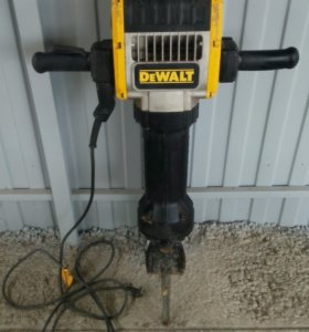бетонолом (отбойный молоток) DeWalt