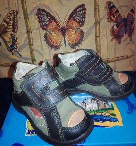 Детские ботинки новые 20 размер