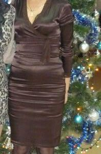 Платье шоколад атласное
