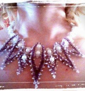 Ожерелье из бисера и бусин ручной работы