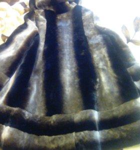 Шуба мутоновая с капюшоном