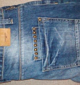 Продают джинсы