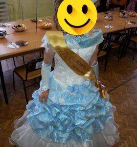 Платье на девочку,лет на 6-8
