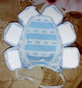 Шапочка для купания новорожденных.