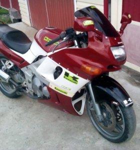 Мотоцикл Kawasaki ZZR400-2