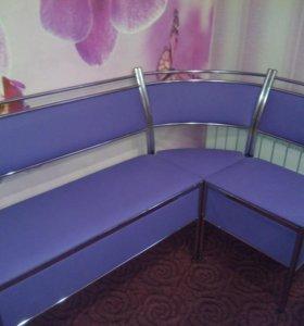 Кухонный гарнитур (диван+стол)