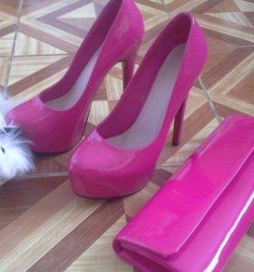 Туфли лаковые совершенное новые