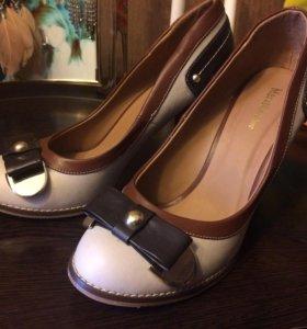 Туфли искусственная кожа новые 39