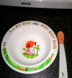 Avent тарелка и ложка для первого прикорма.
