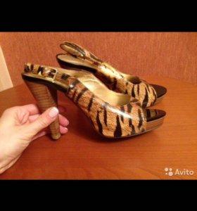 Леопардовые кожаные босоножки платформа 38