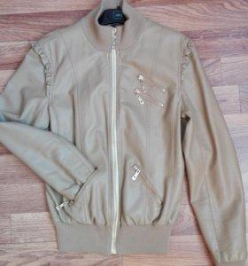 женская куртка 46