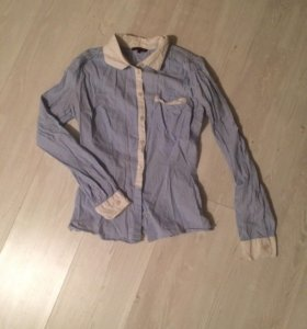 Рубашка голубая в полоску, не глаженная