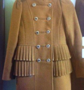 Пальто для девочки 10-12 лет
