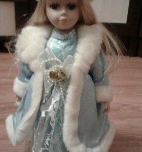 Кукла фарфоровая Снегуррочка