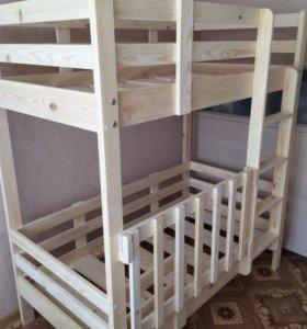 Кровать двухъярусная со съёмным бортом