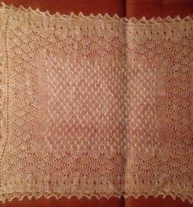 Оренбургский пуховый платок ручной вязки