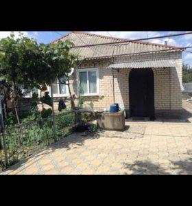 Продаю дом 100 кв. м., 15 соток земли