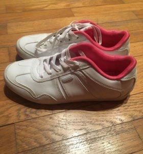 Кроссовки Demix белые