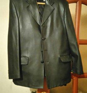 Торг Кожанная куртка, состояние хорошее.