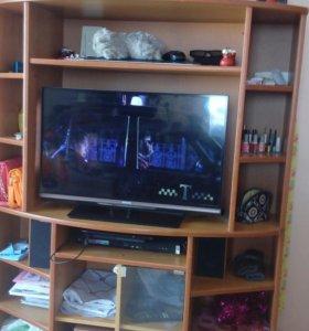 Продам под телевизор тумбу
